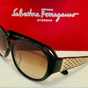 Salvatore Ferragamo Sunglasses SF664SA in Black